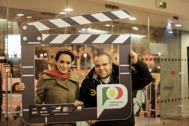 Vitor Fereira, director do Fstival Caminhos Cinema Português posa ao lado da actriz e realizador São José Correia