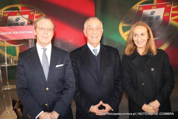 O novo PR ladeado por Duarte Nuno Vieira (Mandatário em Coimbra) e Maria João Passão (Directora de Campanha em Coimbra)
