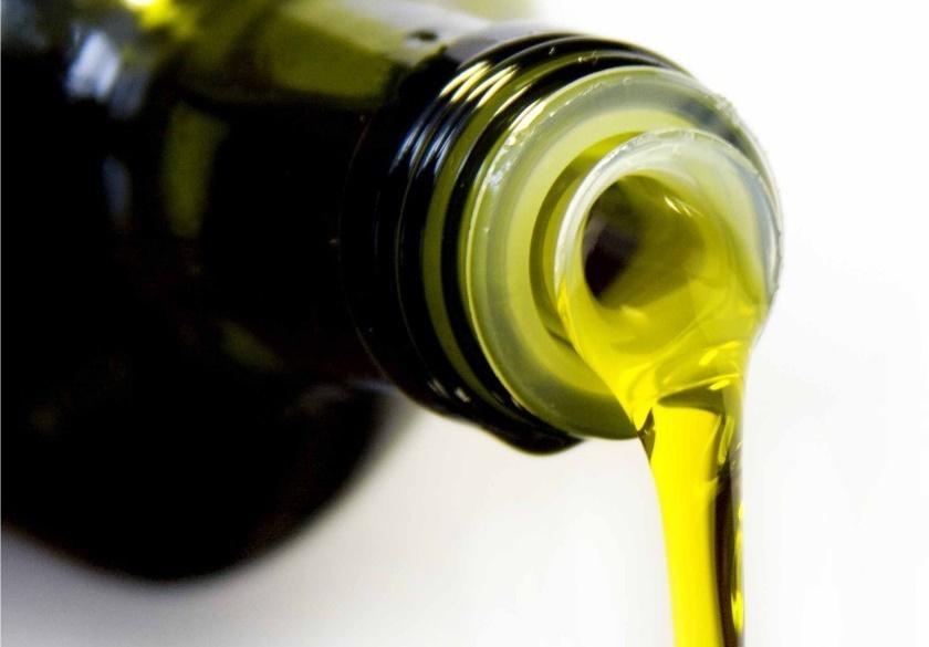 Resultado de imagem para ASAE apreende 1900 litros de azeite falsificado no valor de sete mil euros