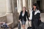 Da esquerda para a direira: A inspectora arguida e a sua advogada