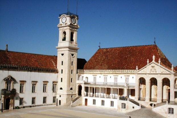 """Resultado de imagem para Universidade de Coimbra com """"lotação esgotada""""!"""