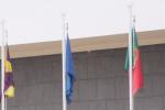 Coimbra, Portugal e Europa na entrada da unidade hoteleira
