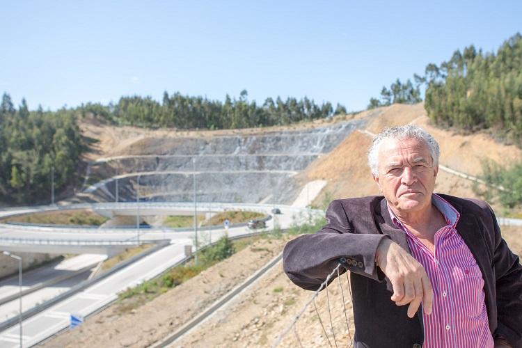 Jaime Ramos em Ceira, no final da A13, (Coimbra, Tomar, Entroncamento) preparado para exigir que o governo fure a montanha e dê continuidade da auto-estrada até Viseu