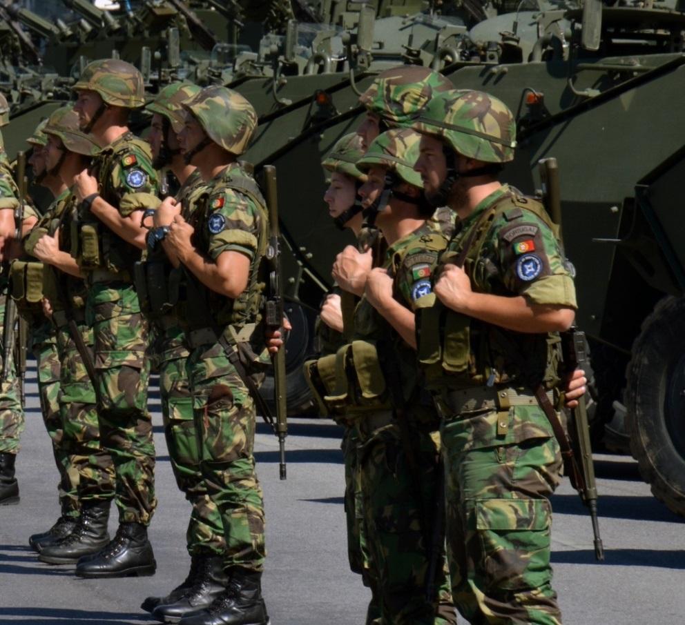 """Resultado de imagem para Exército """"invade"""" Coimbra"""