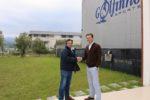 Em anexo segue também fotografia a ilustrar o acordo final, com Nuno Arcanjo da VFA e Raúl Santos da SunEnergy.