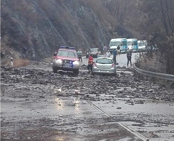 Resultado de imagem para Deputados do CDS querem saber quando serão feitas obras na Estrada da Beira
