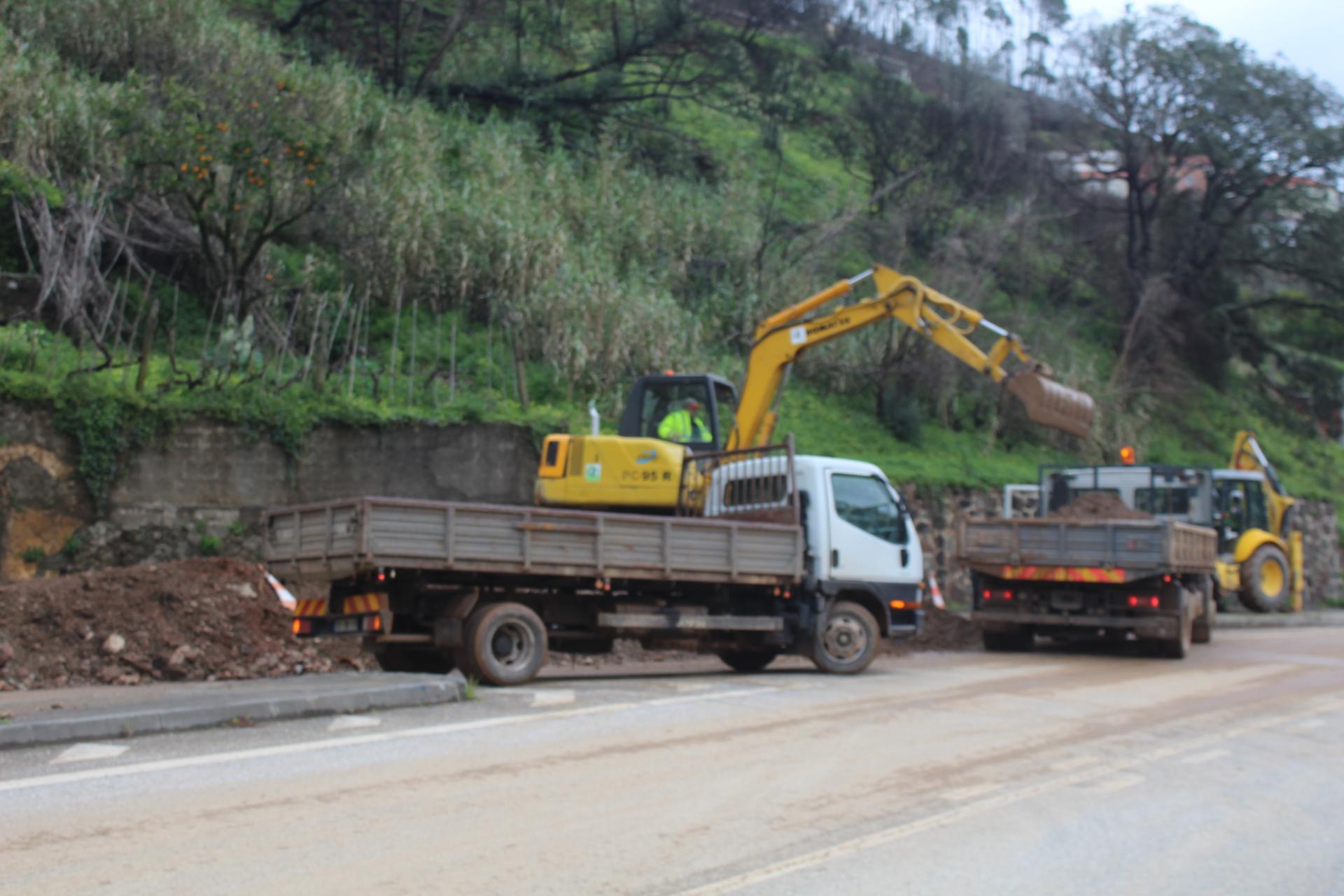 Estrada da Beira reaberta ao trânsito em Coimbra — Mau Tempo